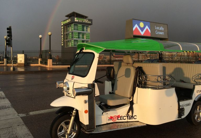 Los 'Tuk Tuks' eléctricos de 3 ruedas ofrecen una opción de transporte y entrega limpia y silenciosa