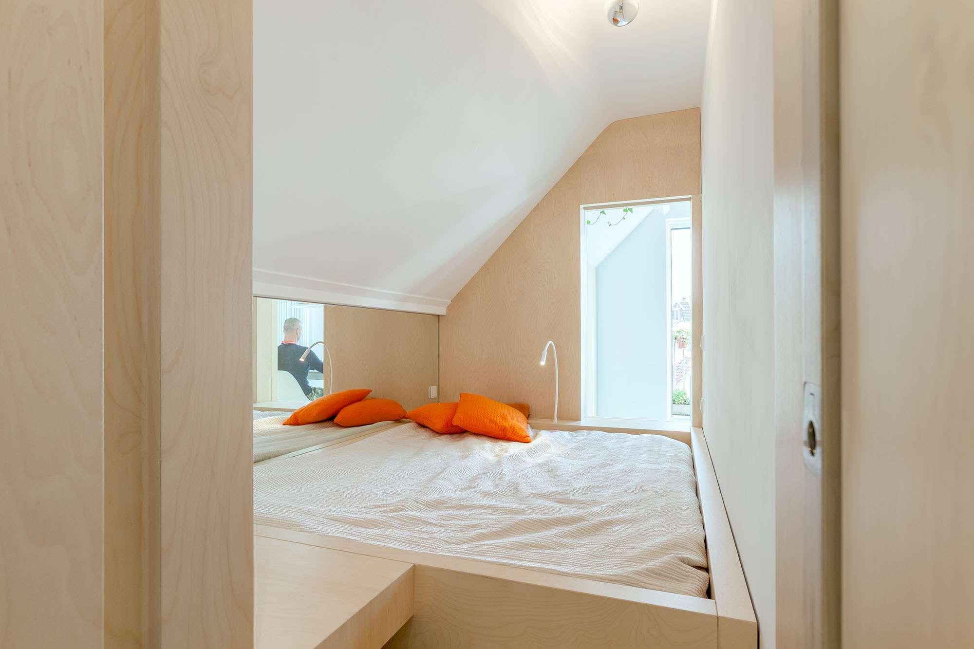 Amsterdam Urban Loft by Bureau Fraai bedroom