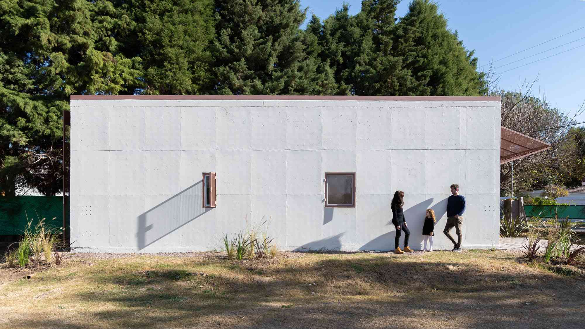 Hüga prefabricated house by Grandio side of house