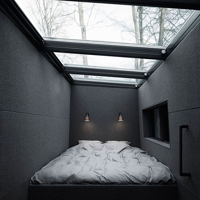 Bedroom loft with a roof entirely of windows
