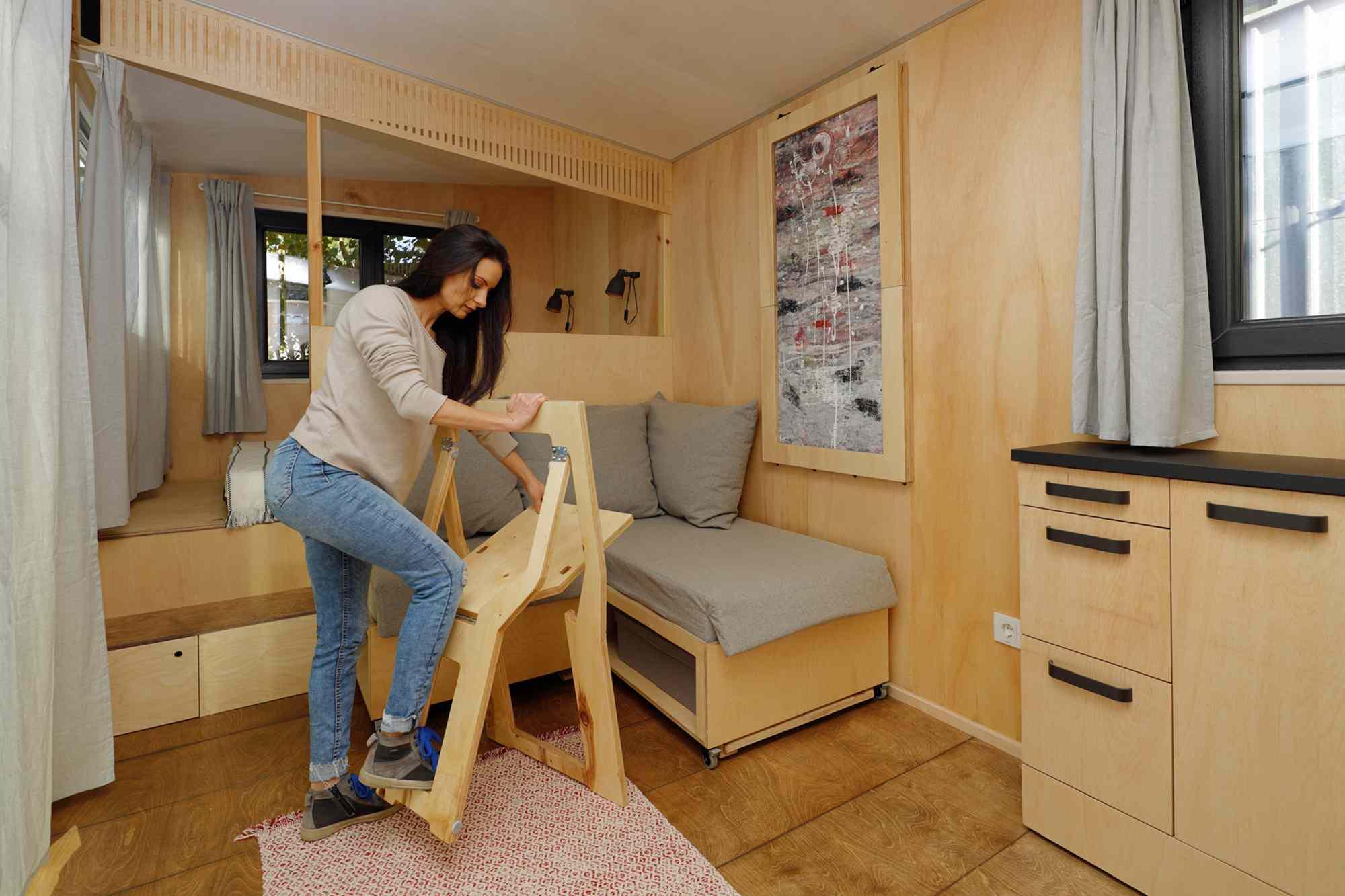 EBH 659 tiny house Ecobox Home Ltd. opening chairs