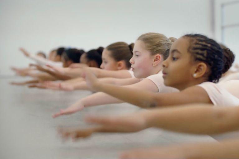 children doing ballet class