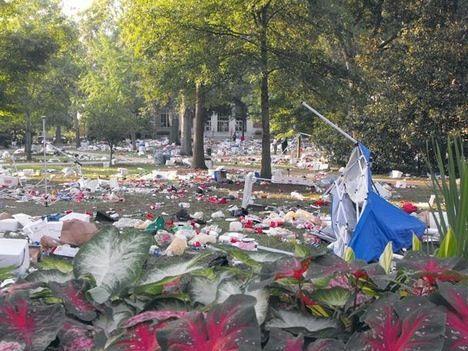 university of georgia garbage tailgate photo 1