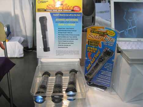 solar lite solar-powered flashlight photo