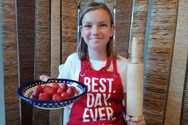 Polish girl with fruit
