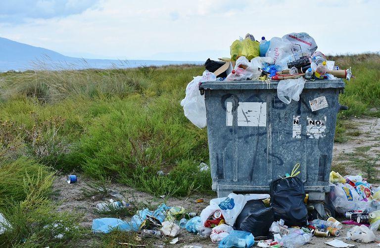 Europa vota a favor de prohibir los plásticos desechables para 2021