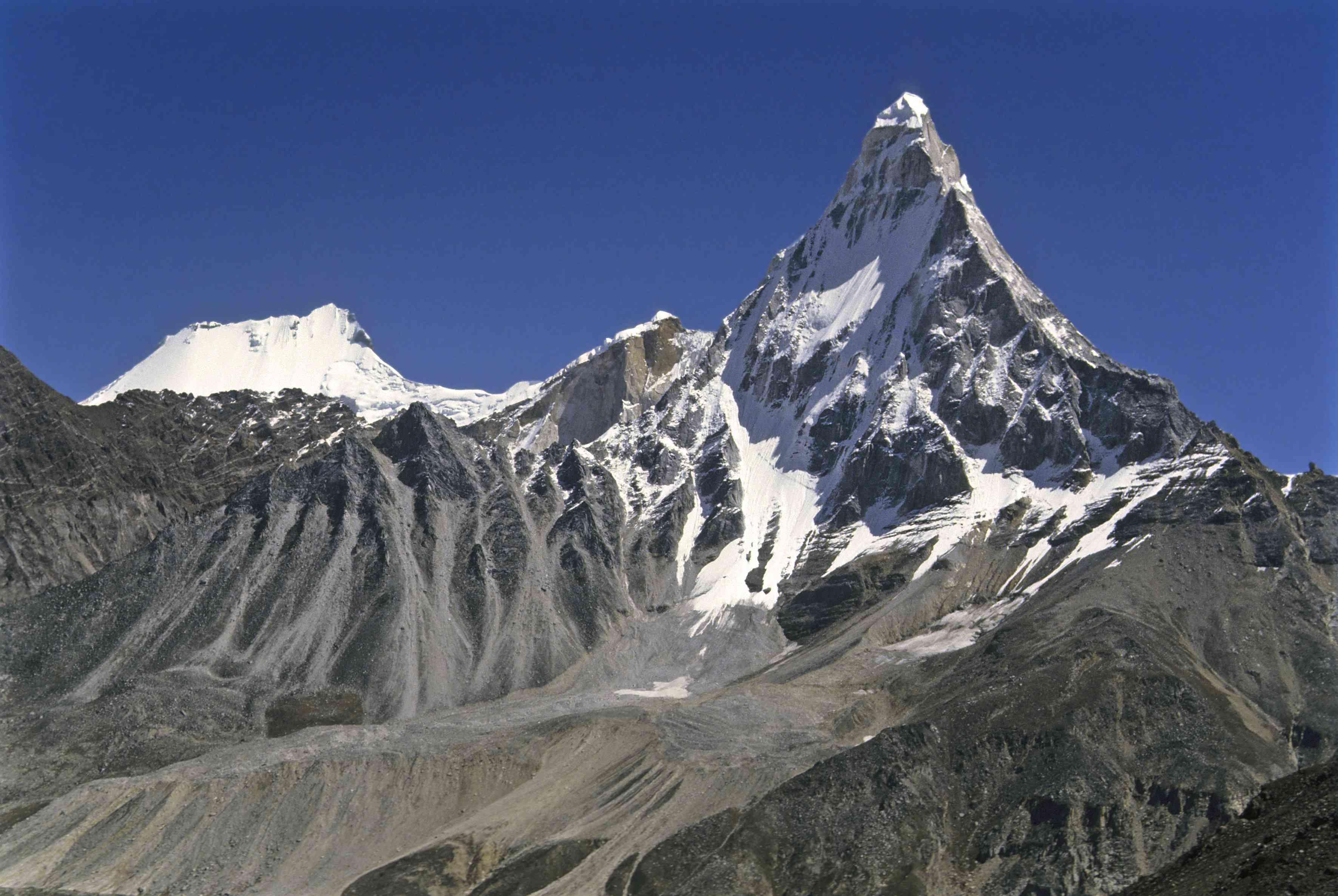 View of the Gangotri glacier on Shivling peak