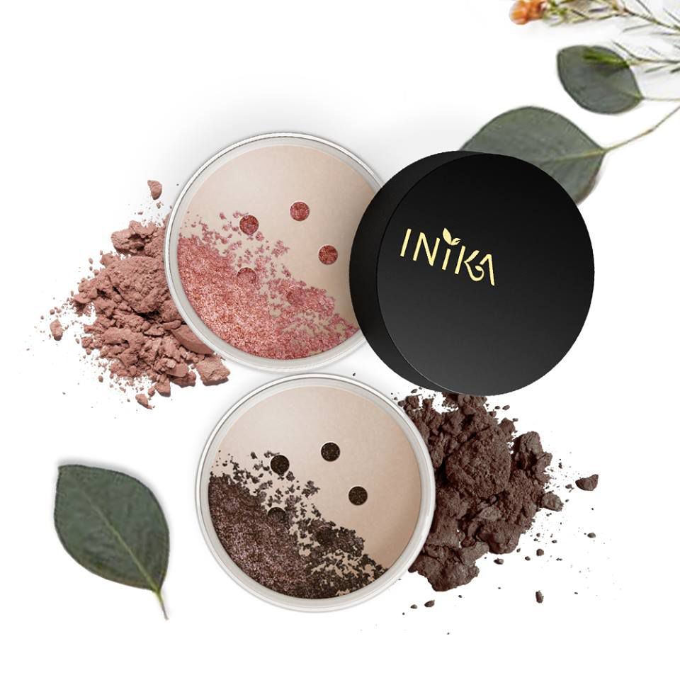 Inika mineral eye shadow with leaves