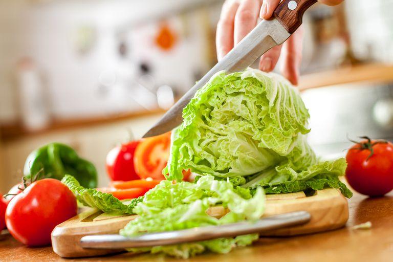 ¿Realmente hace una diferencia si rasga o corta verduras?