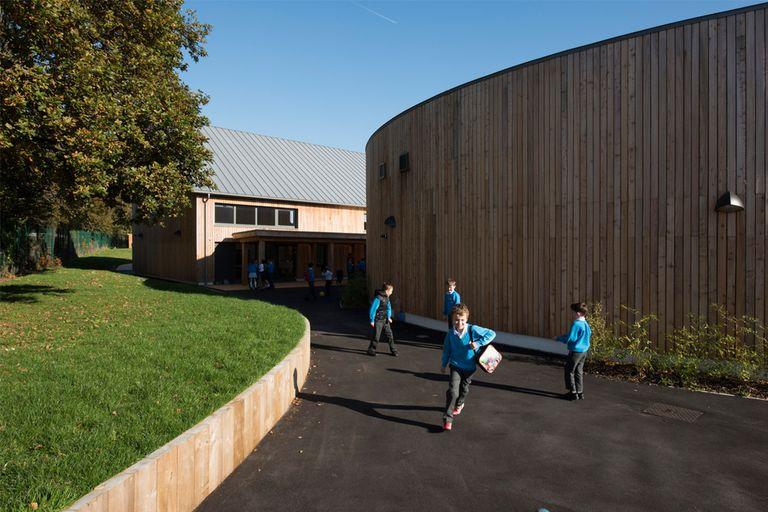 La escuela Burry Port es una belleza de Brettstapel