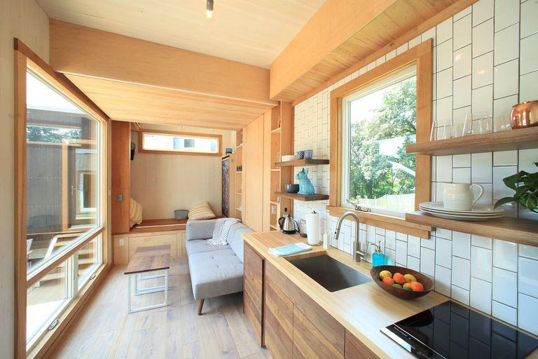 Sturgis Tiny House está construida con madera laminada cruzada resistente y renovable (video)