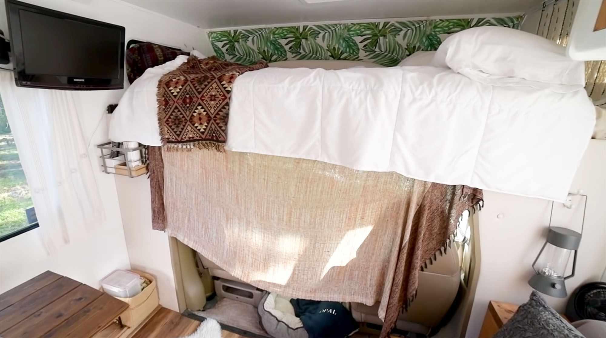 Mandy class c motorhome renovation bed