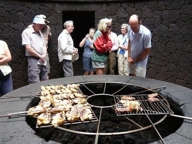 El Diablo volcano restaurant