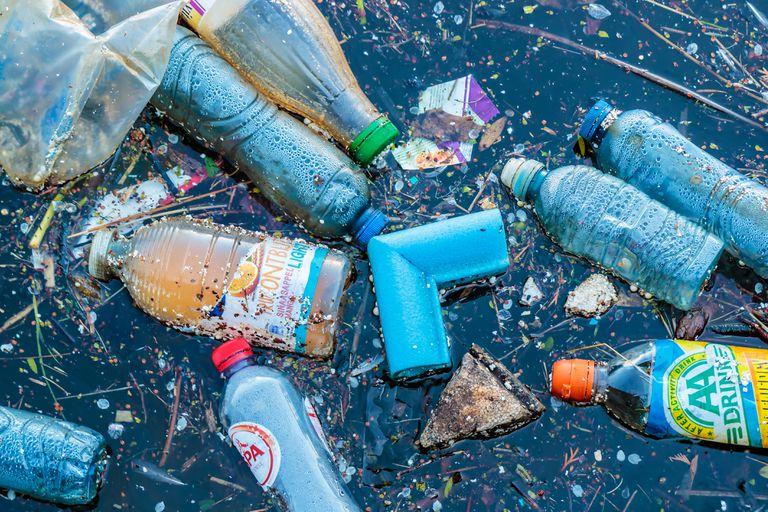 10 ríos pueden entregar gran cantidad de plástico oceánico