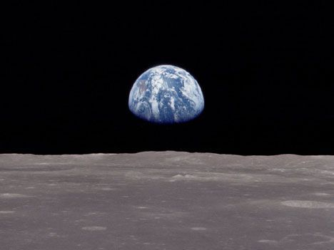 earthrise on moon photo