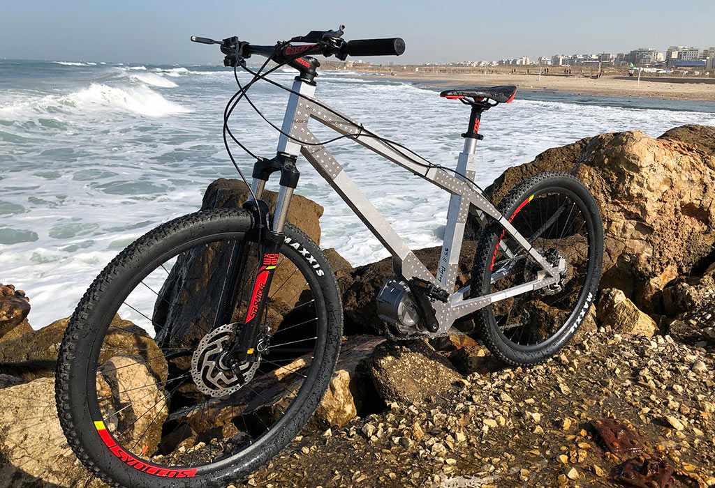 Avial bike at water