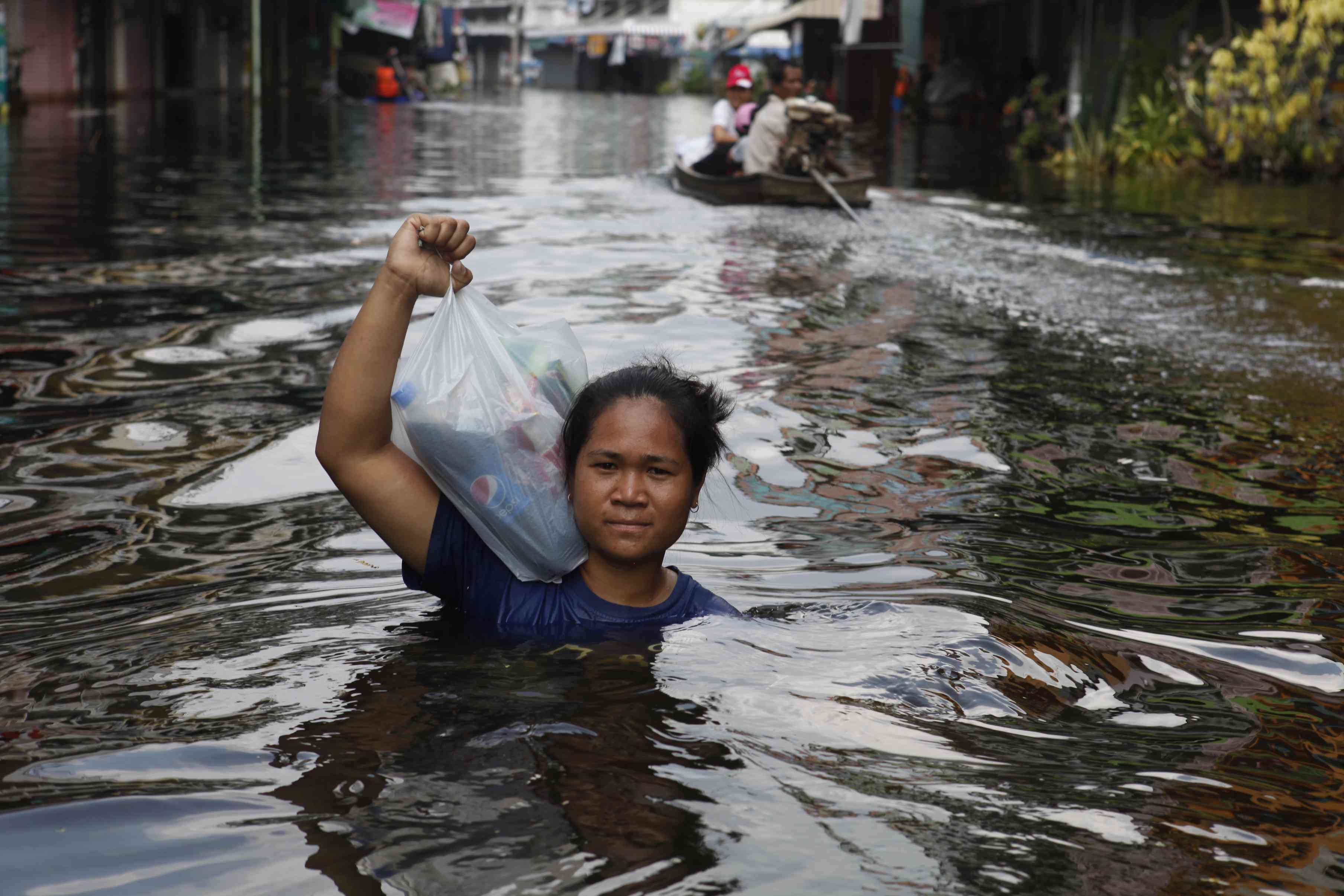 Thailand - Floods - Living with floodwaters