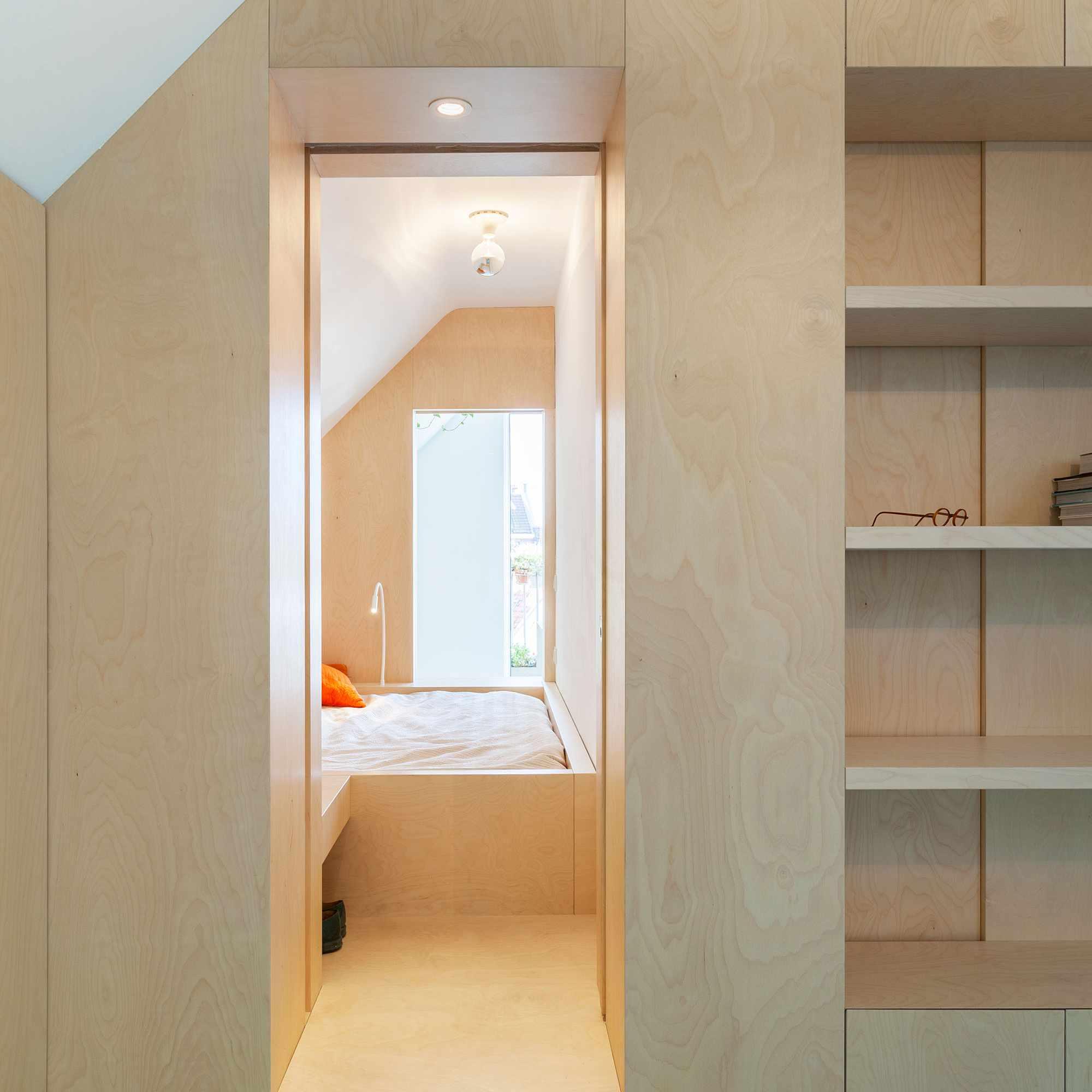 Amsterdam Urban Loft by Bureau Fraai box-bed bedroom