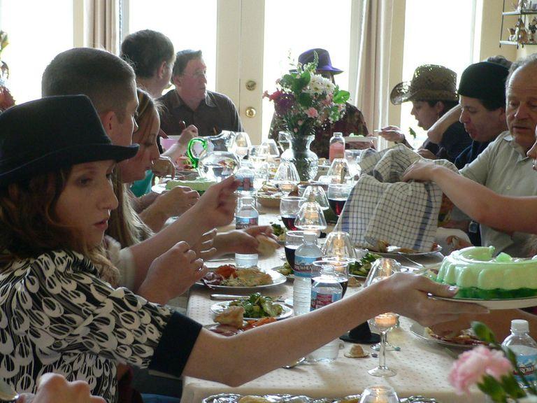 150 Temas de discusión para la cena familiar