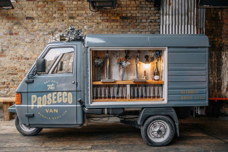 Prosecco Van es el camión de comida de la ciudad feliz