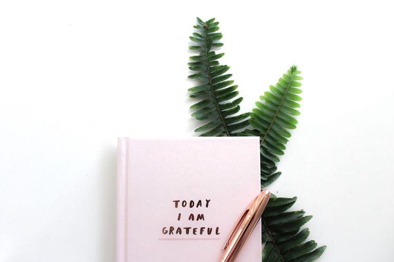 ¿Es su adolescente materialista? Déles un diario de gratitud diario