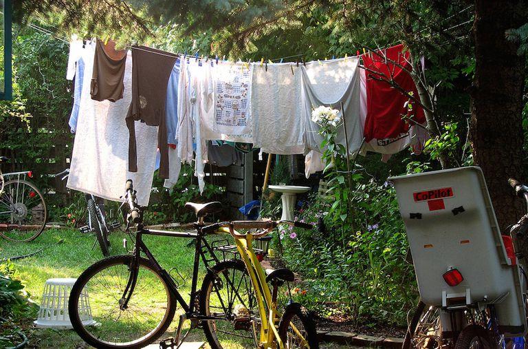 Aprovecha la luz del sol para lavar la ropa