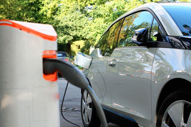 Etiqueta del vehículo eléctrico: cuándo cargar y otros enigmas