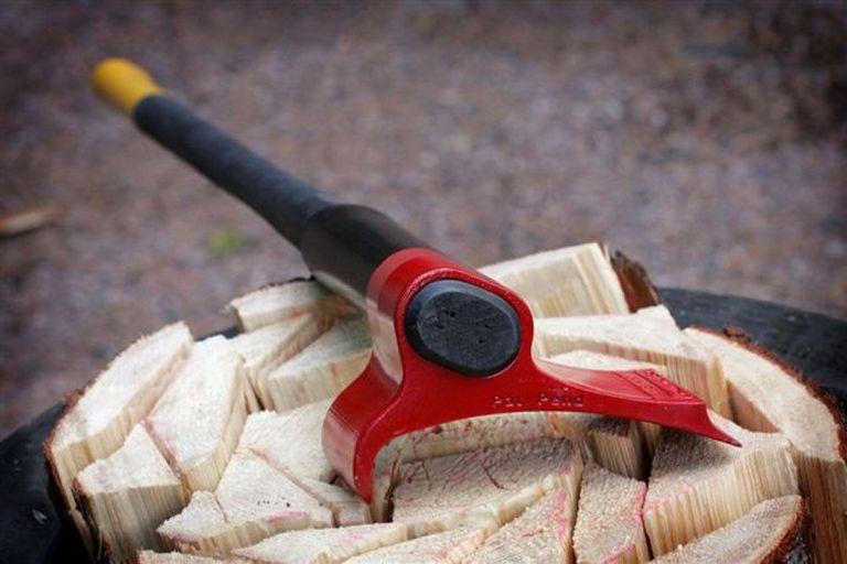 Super Axe utiliza el apalancamiento para hacer de la madera un pedazo de pastel (Video)