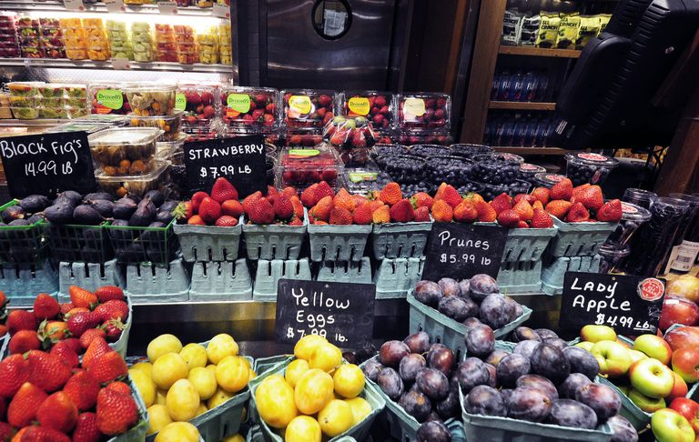 fruit stand in Grand Central Station, NYC