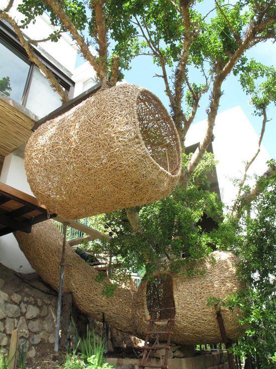 Animal Farm Porky Hefer nest