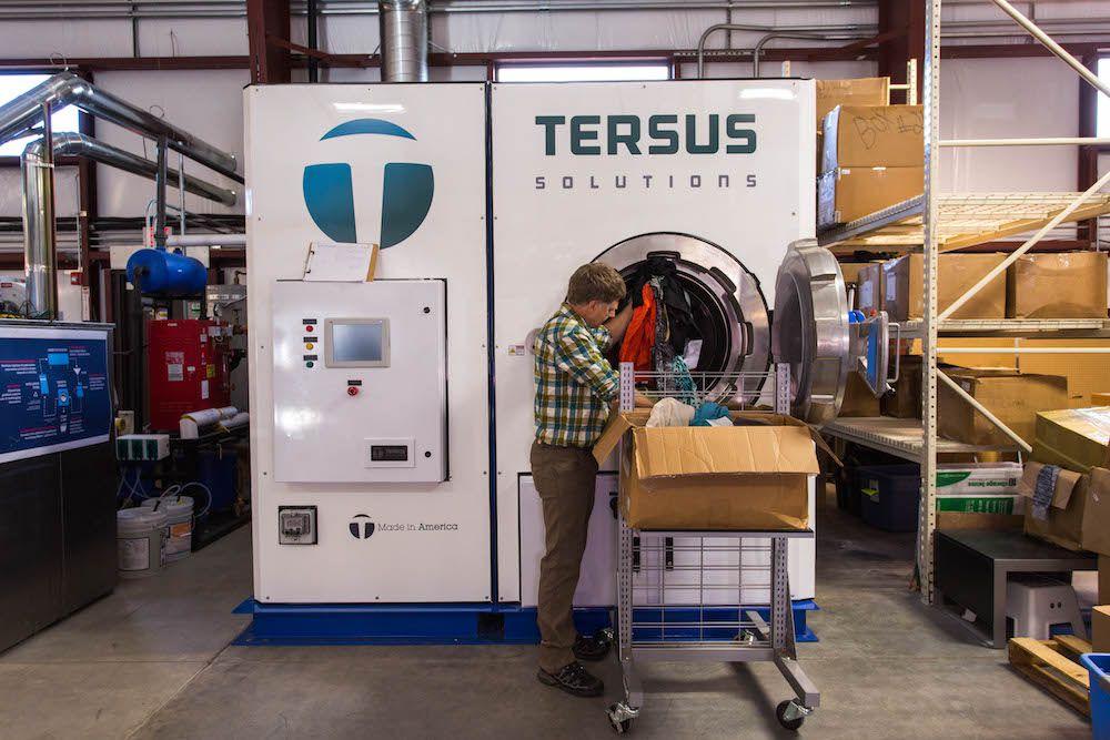 Tersus cleaning machine