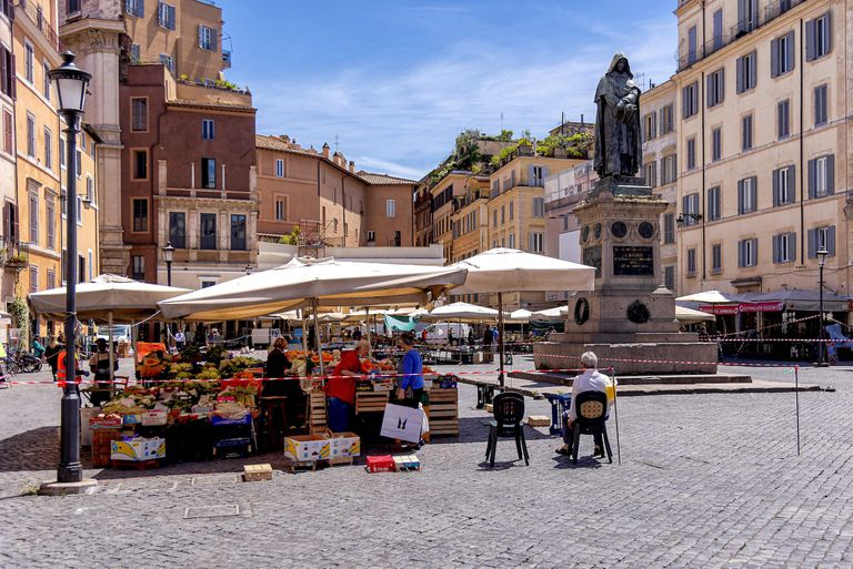 food market in Rome