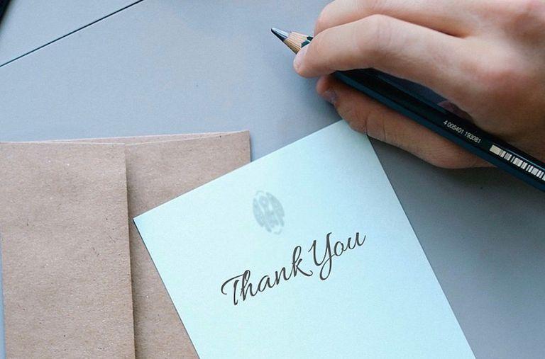 Por qué debería escribir más notas de agradecimiento