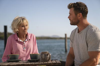 Valerie Taylor with Chris Hemsworth in Australia