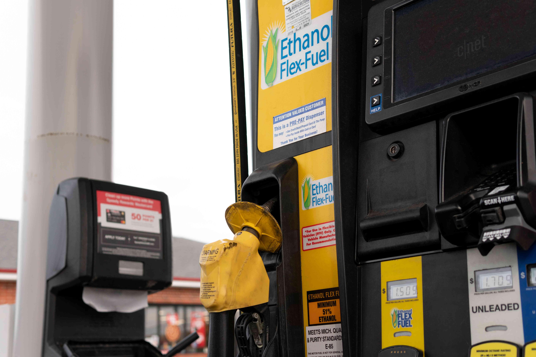 ethanol flex-fuel gas station