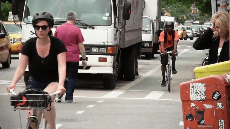 Carriles bici seguros físicamente separados finalmente llegan al este de Harlem