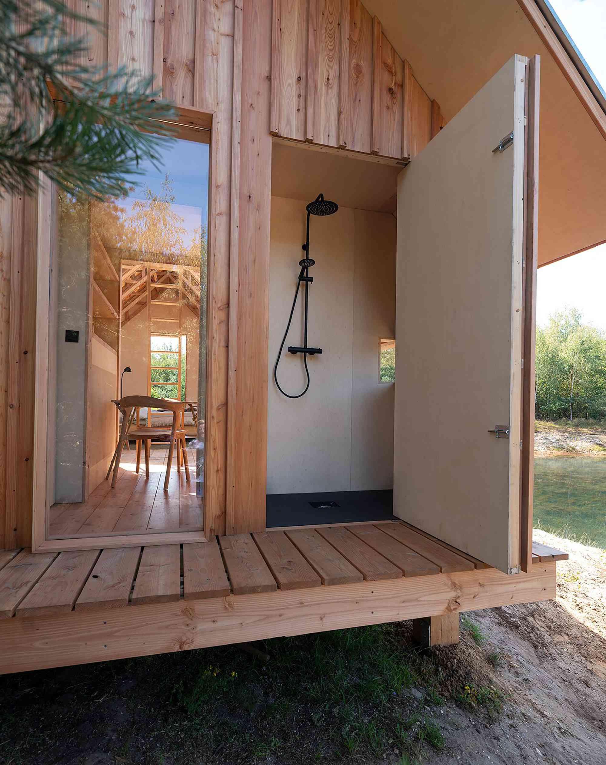 Cabin ANNA by Caspar Schols bathroom