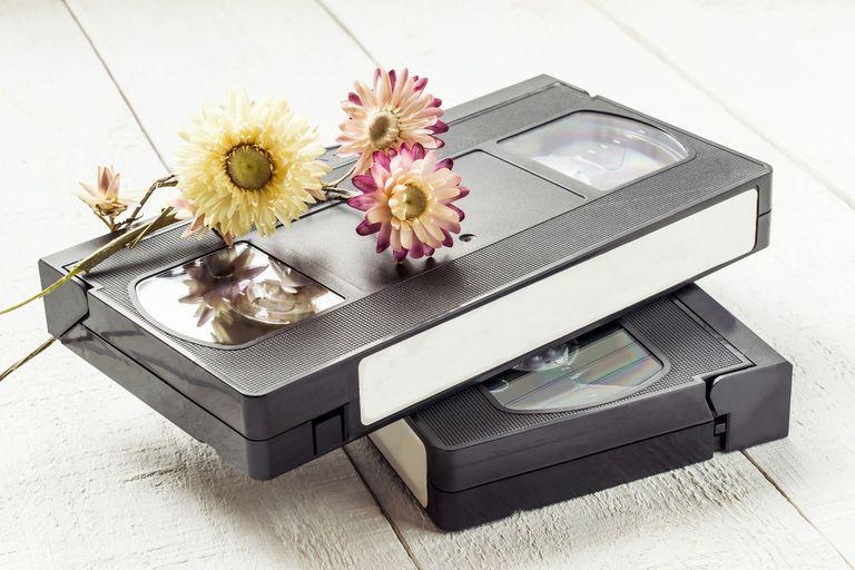 Ganchillo con cinta VHS reciclada