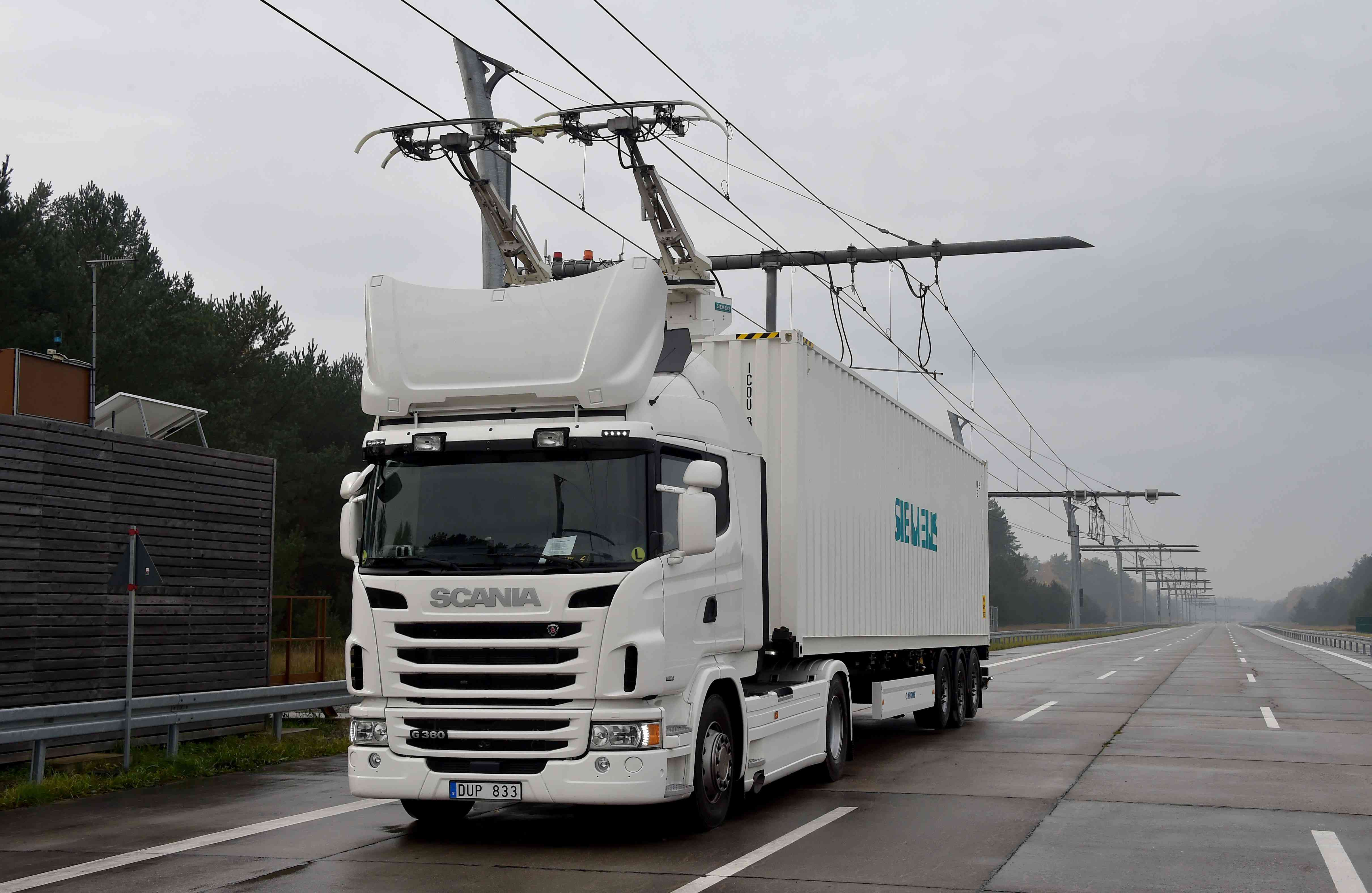 Electric trucks on the e-highway