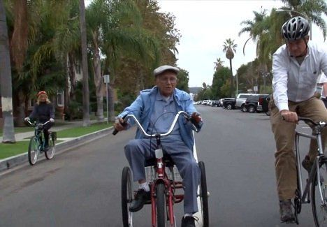 worlds oldest cyclist photo