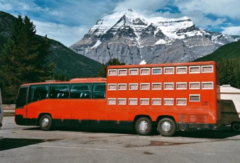 Enorme autobús es realmente un hotel cápsula sobre ruedas
