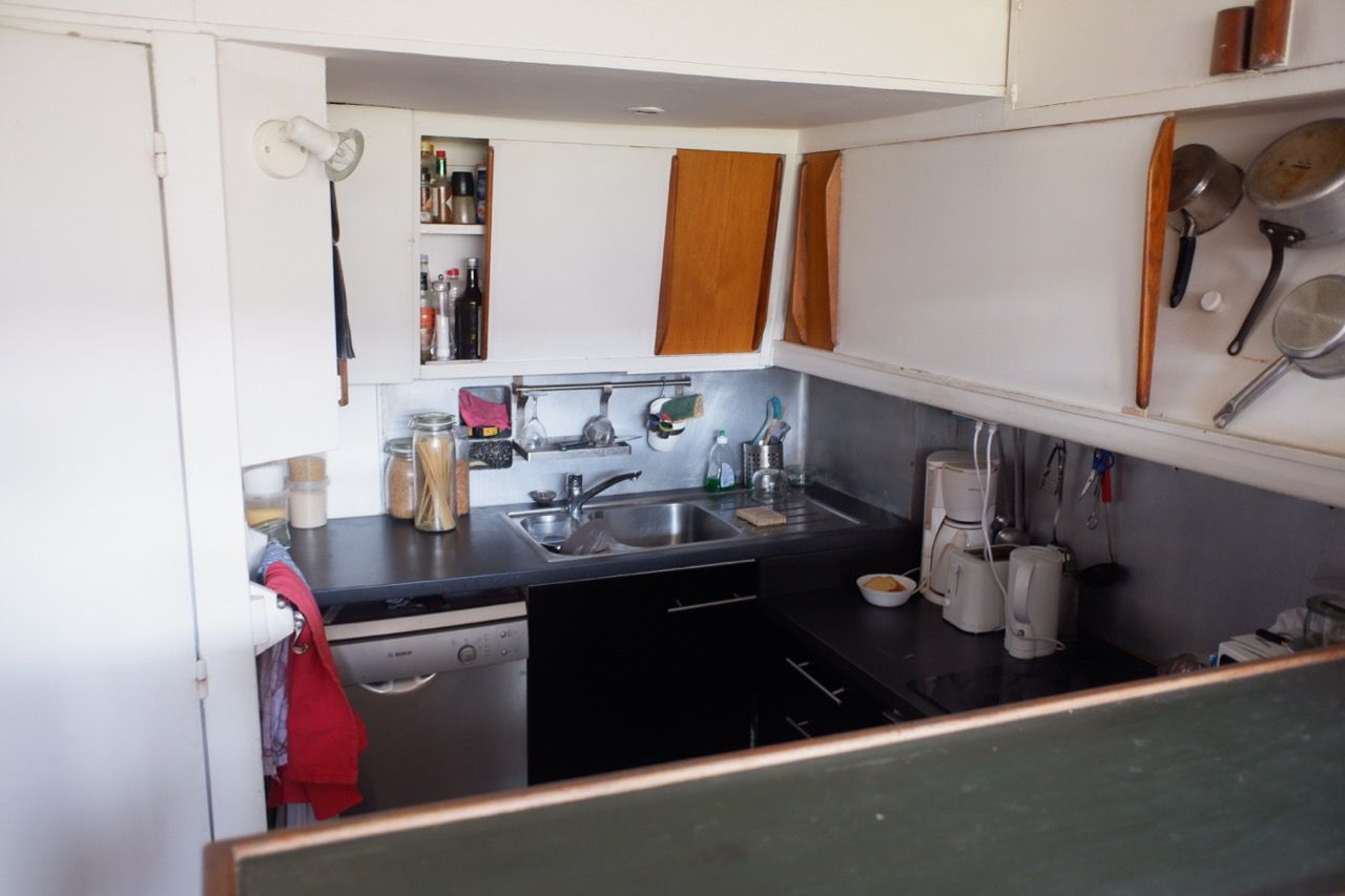 view of complete kitchen