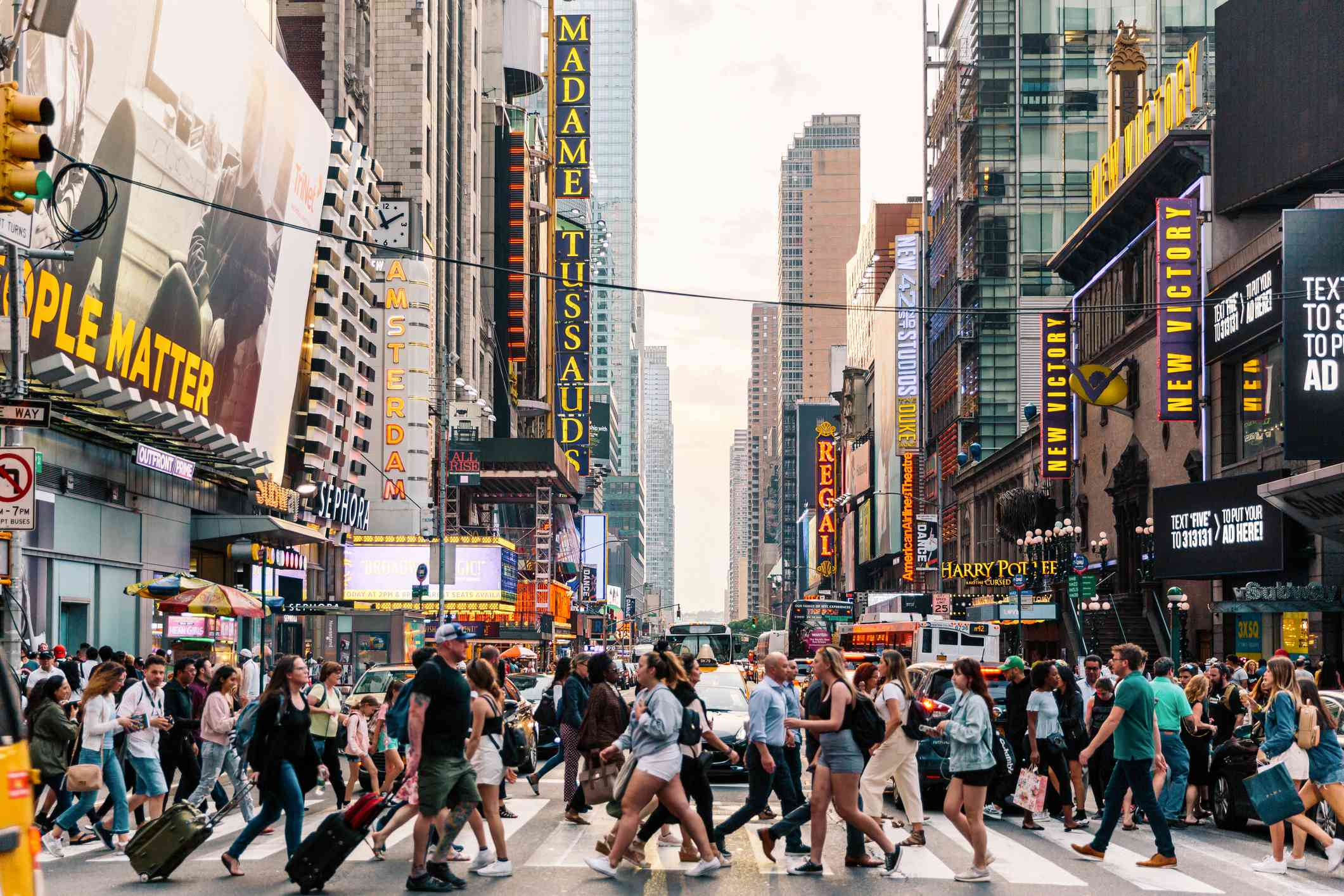 Crowd of people crossing the street in New York City