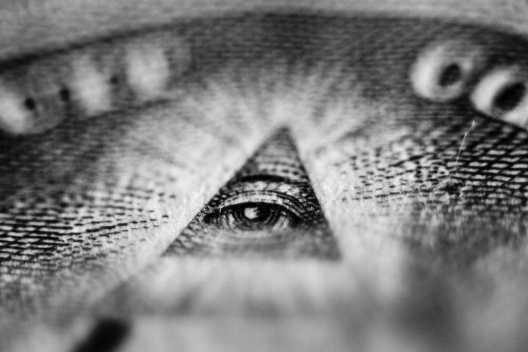 Creacionistas y teóricos de la conspiración comparten el mismo error cognitivo, encuentra un estudio