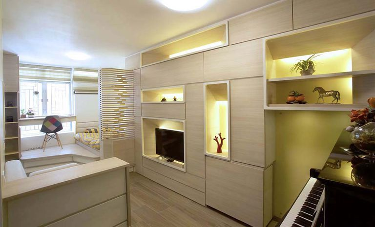 Pequeño apartamento renovado para funcionar como una mini galería
