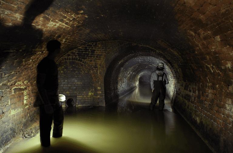Cómo los ríos subterráneos 'perdidos' de Londres podrían ayudar a frenar las emisiones de carbono