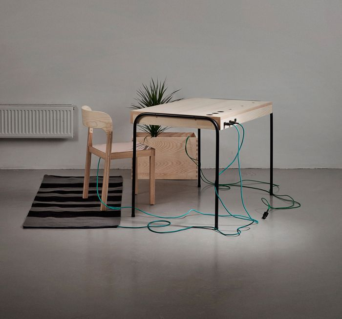"""The Power of Sitting: """"Unplugged"""" Desk Harvests Your Energy for Electricity"""