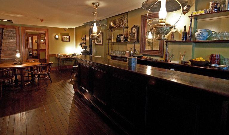 En 1870, en el Lower East Side, podías pasar el rato en el bar Schneider.