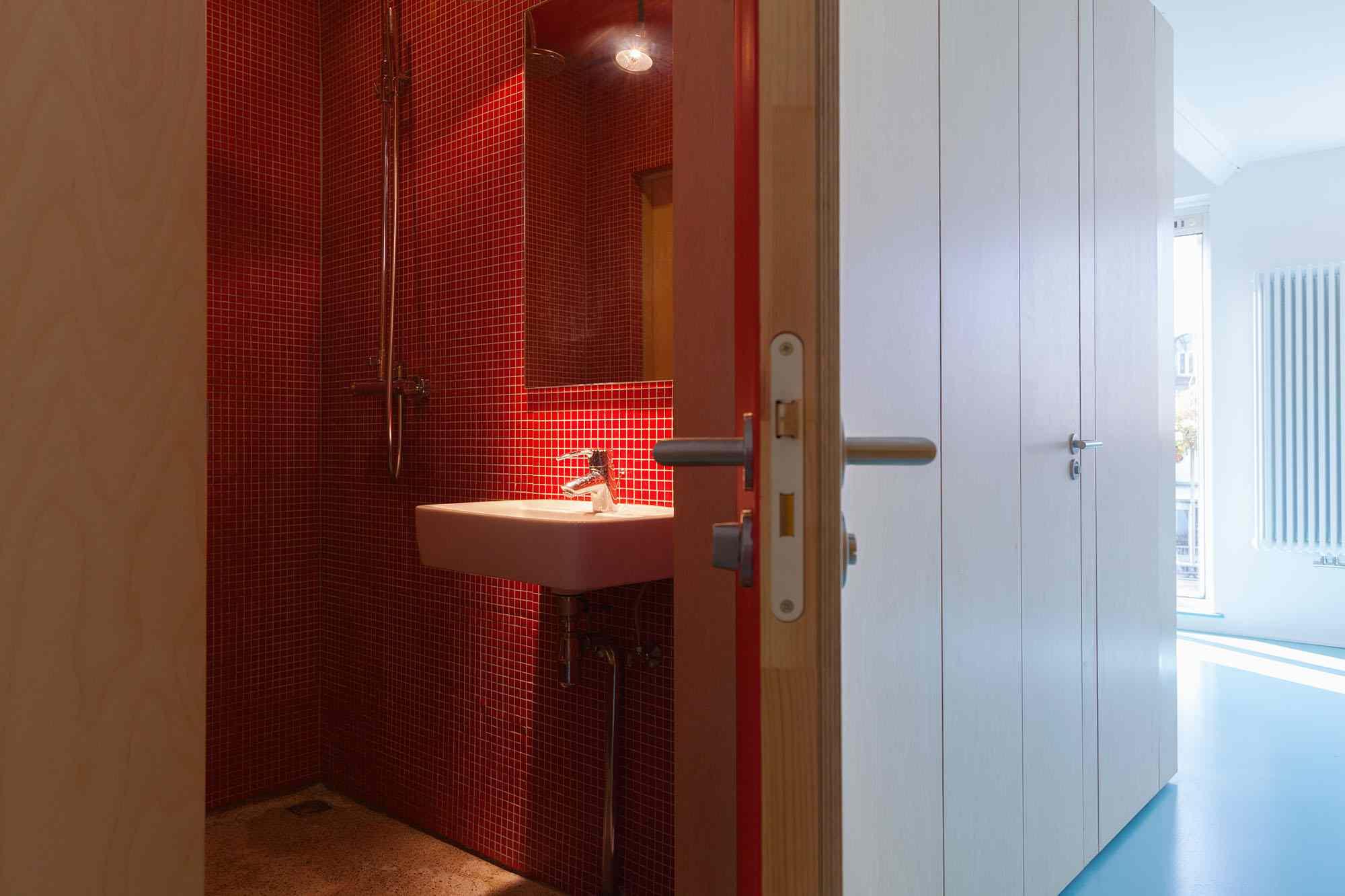 Amsterdam Urban Loft by Bureau Fraai bathroom with shower