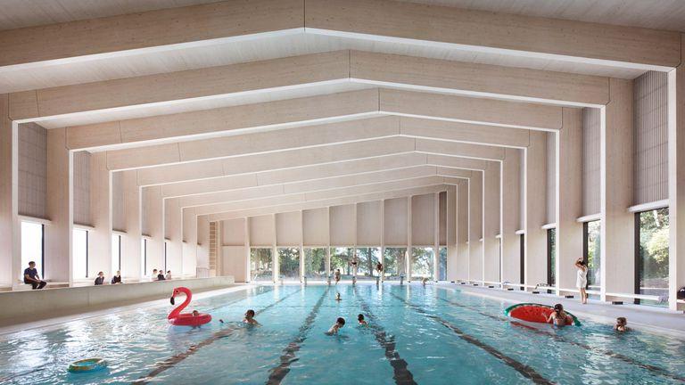 La piscina de Londres está construida con pórticos de madera y madera laminada cruzada